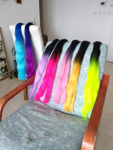 תוספות שיער צבעוניות